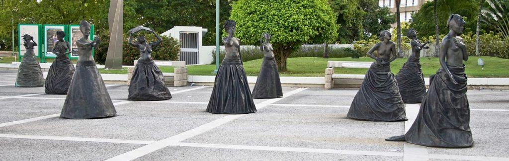 """""""Musas"""" Sculpture b Annex Burgos"""